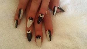 Classy Black & White Gels